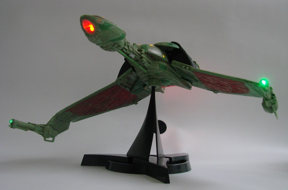 Star Trek Bird Of Prey Ship Packaging Is Finally Uncloaked Diamond Select Toys