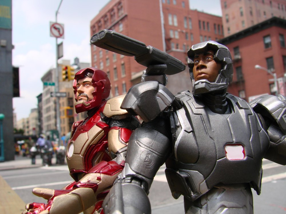 Marvel Select Iron Man 3 Figures Are Blasting Into Stores Diamond