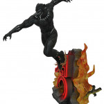 blkpantherpremierstatue_side