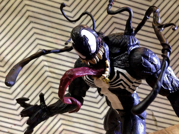 Exclusive Marvel Select Venom Figure Is Now At The Disney Store